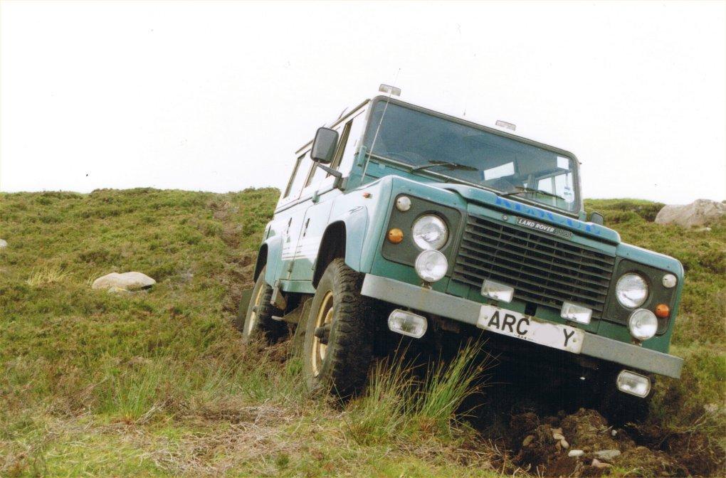 Land Rover 110-1