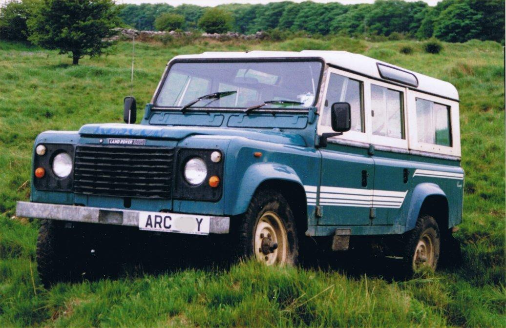 Land Rover 110-2