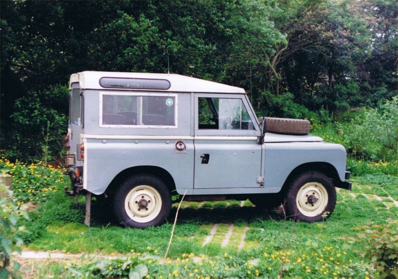 Land Rover Series III-2